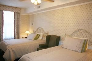 Double Room with Two Double Beds - Bygone Times
