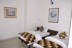 Photo of Hotel Sapphire Udaipur