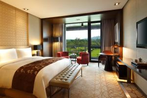Photo of Crowne Plaza Xuzhou Dalong Lake