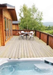 Castlewood Lodges