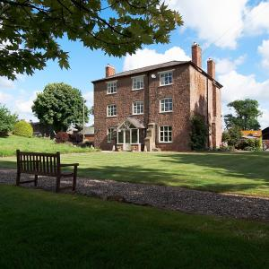Grove Farm House Bed And Breakfast in Shrewsbury, Shropshire, England