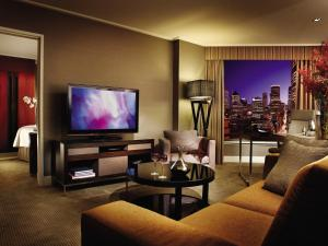 Club City Suite with Executive Lounge Access