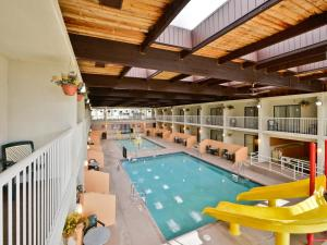 Double Room with Two Double Beds - Poolside