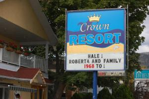 Crown Resort Motel