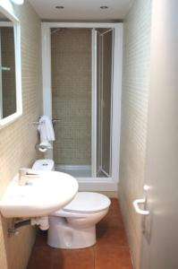 Double or Twin Room with Private Bathroom