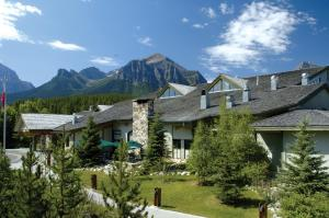 Photo of Lake Louise Inn