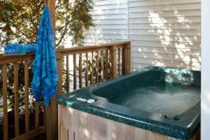 Comfort King Room with Hot Tub - Ground Floor