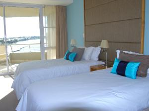 Superior Two-Bedroom Apartment with Sea View (2 - 4 Persons)