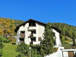 Loga Apartments In Samedan