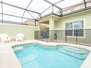 Five-Bedroom Townhome with Private Pool