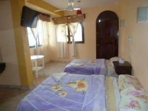 Double Room with Two Double Beds with Air Conditioning