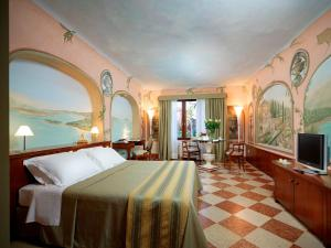 Deluxe Double or Twin Room with View