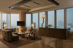 Suite Superior con vistas al puerto y acceso al club lounge
