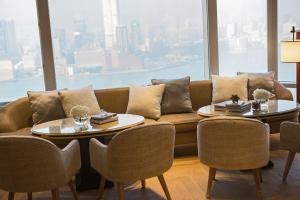 Superior Suite with Harbour View and Club Lounge Access