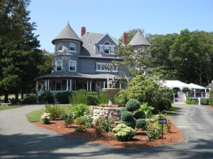 Photo of Castle Manor Inn