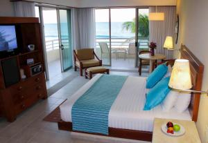Junior Suite Beach Front Club Premium
