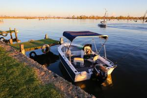 DC on the Lake, Holiday parks  Mulwala - big - 113
