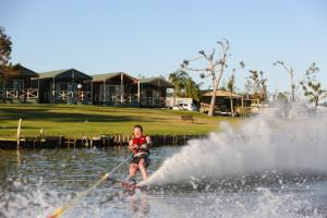 DC on the Lake, Holiday parks  Mulwala - big - 107
