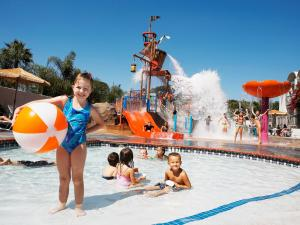 Photo of Howard Johnson Anaheim Hotel And Water Playground