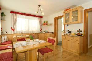 Les Gomines B&B, Country houses  San Vigilio Di Marebbe - big - 25