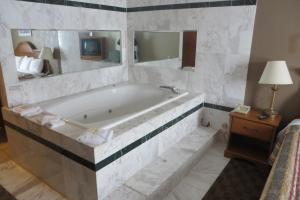 Junior Suite with Spa Bath