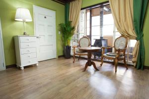 Icos Guesthouse 2 (Female & Family)