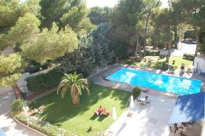 Citotel Le Mirage, Hotely  Istres - big - 46