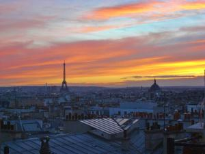 Photo of Apartment Close To Montmartre District