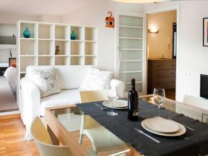 One-Bedroom Apartment with Terrace Urquinaona