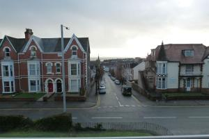 Hurst Dene Hotel, Bed and breakfasts  Swansea - big - 32