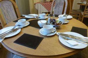 Hurst Dene Hotel, Bed and breakfasts  Swansea - big - 45