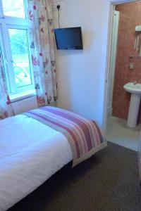 Hurst Dene Hotel, Bed and breakfasts  Swansea - big - 10