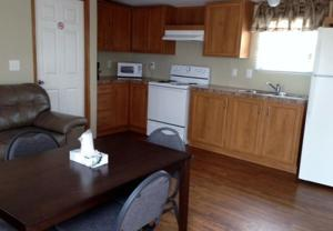 Mobile Home with Four Twin Beds