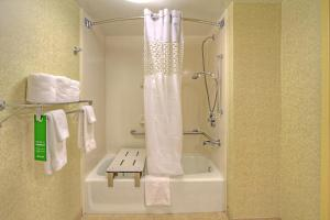 Double Room with Bath Tub - Disability Access/Non-Smoking