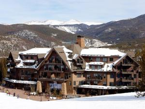 Crystal Peak Lodge By Vail Resorts Breckenridge