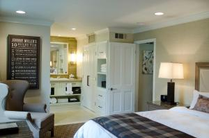 Mansion Estates Resort Room with Two Doubles