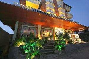 Photo of Hotel Glamour Da Serra