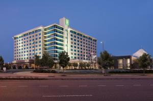 Photo of Embassy Suites Hampton Roads   Hotel, Spa And Convention Center