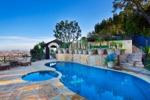 Photo of Hollywood Hills Villa