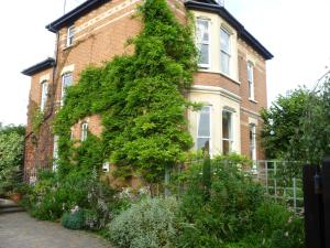 Laurel House Bed and Breakfast in Cheltenham, Gloucestershire, England