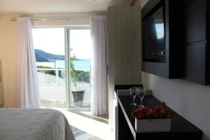 Suite with Sea View (3 Adults)