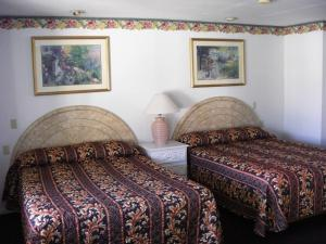Queen Room with Two Queen Beds