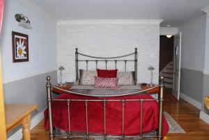 Deluxe Queen Room with Terrace and Sea View