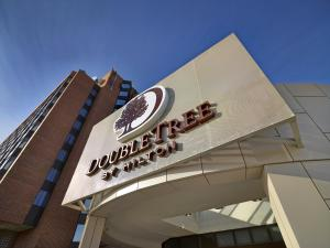 Double Tree By Hilton West Edmonton
