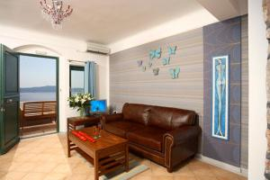 Panorama Studios & Suites, Aparthotely  Fira - big - 3