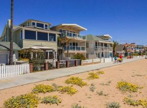 Photo of Spectacular Six Bedroom House In Newport Beach