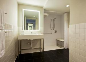 Superior Room - Handicap Accessible