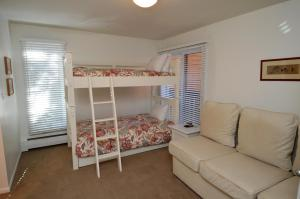 Standard Two-Bedroom Apartment - Old Hundred