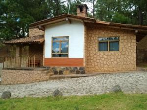 Cottage (8 Adults)