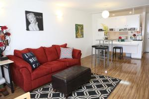 Photo of Chic Flat In Los Angeles!